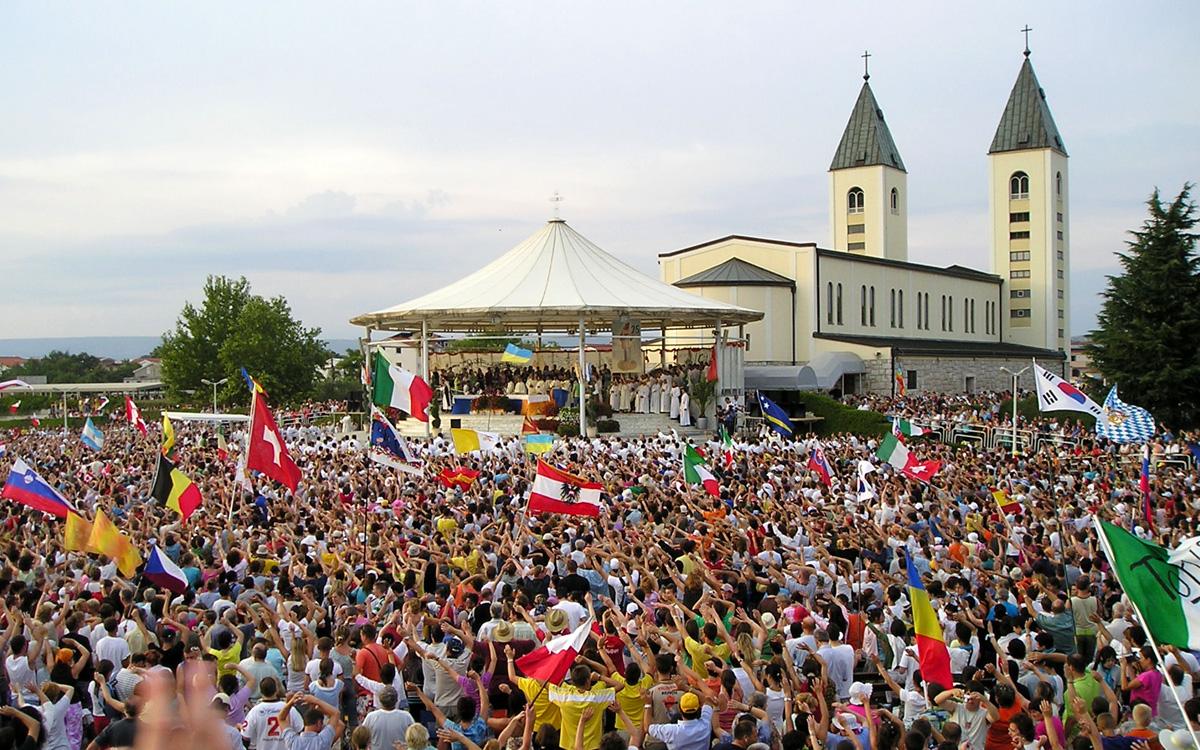 Đức Thánh Cha cử đặc sứ đến Medjugorje tìm hiểu nhu cầu mục vụ